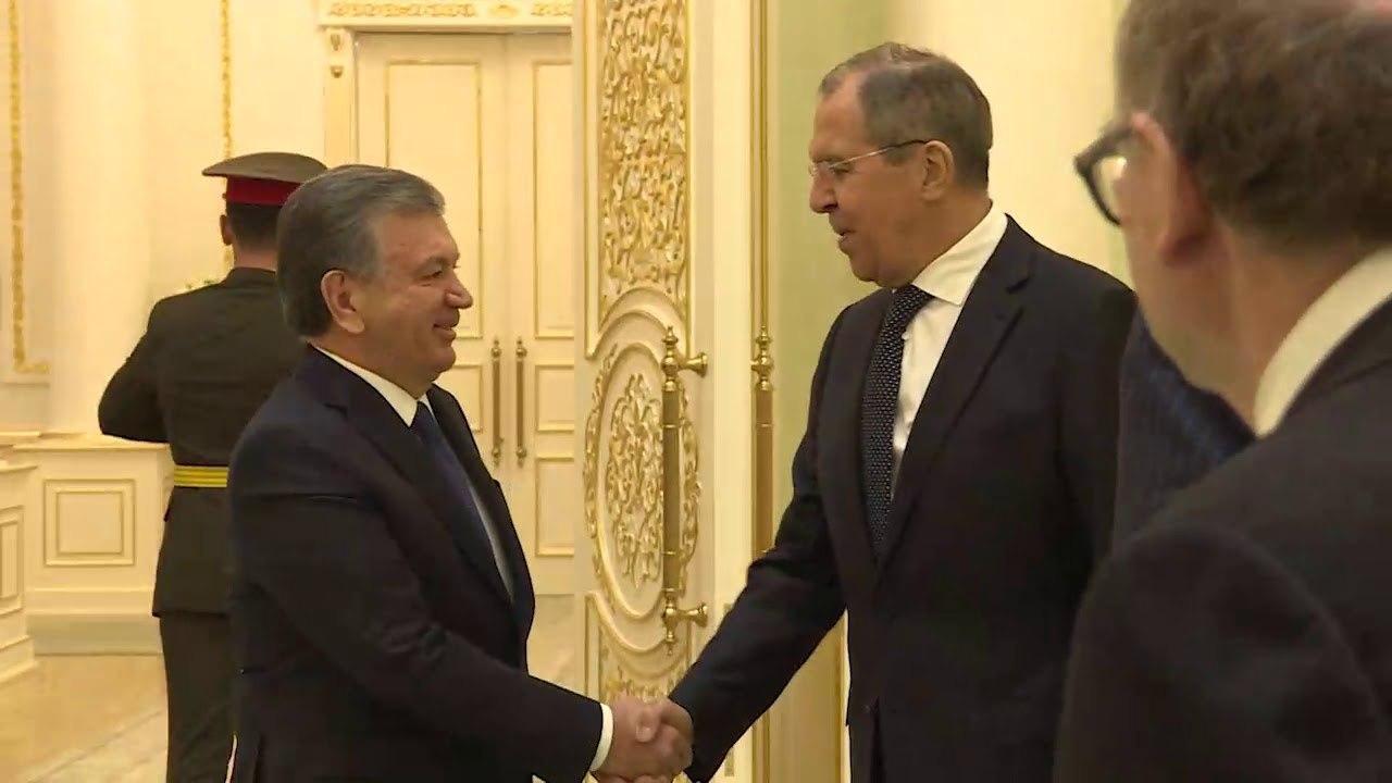Шавкат Мирзиёев принял и.о. министра иностранных дел РФ Сергея Лаврова