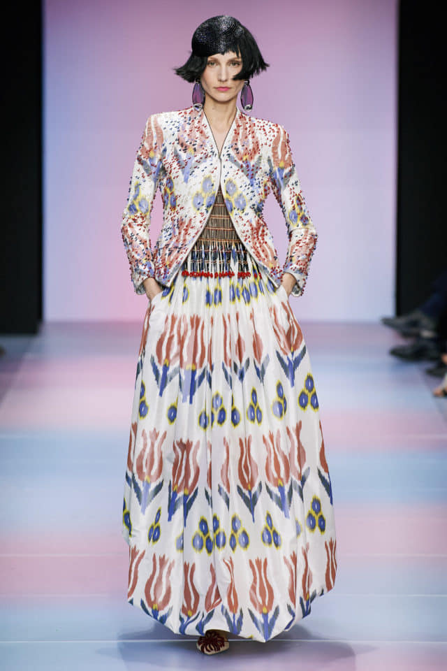 Узбекский икат представлен на Неделе высокой моды в Париже (фото)