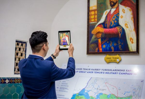 Экспонаты музея истории Темуридов превратили в трехмерные динамические голограммы со спецэффектами