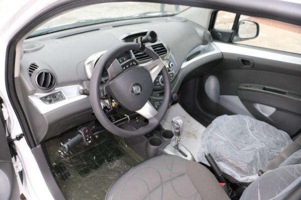 Компания UzAuto Motors начала выпускать автомобили для водителей с ограниченными возможностями (фото)