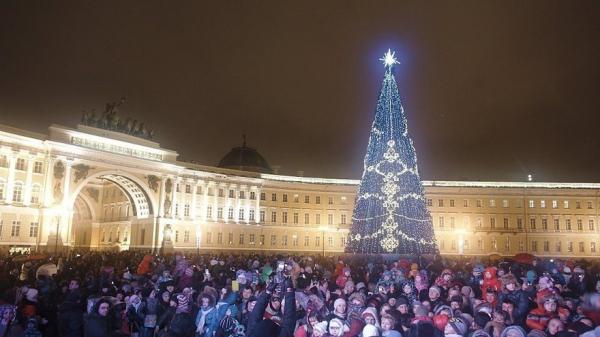 14 мигрантов, размахивавших флагами Узбекистана в новогоднюю ночь, выдворены из России или могут лишиться права на повторный въезд