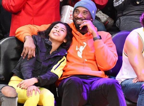 Звезда НБА Коби Брайант погиб вместе с дочерью при крушении вертолета