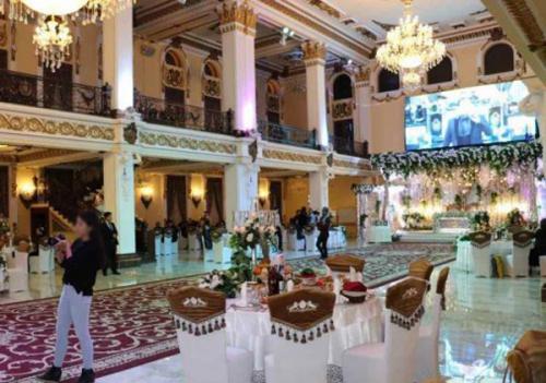 В Самарканде рабочая группа ходит по свадьбам, считая гостей. Названа сумма штрафов для нарушителей (видео)