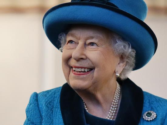Елизавета II выставила на продажу одну из своих московских квартир
