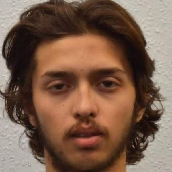 Власти назвали имя напавшего с ножом на людей в Лондоне. Его недавно освободили по УДО
