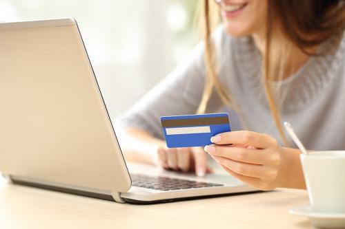 Как взять кредит онлайн на карту в МФО Майкредит?