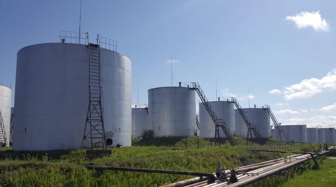 Нарушения при реализации нефтепродуктов на региональных нефтебазах привели к ущербу в 24 миллиарда сумов
