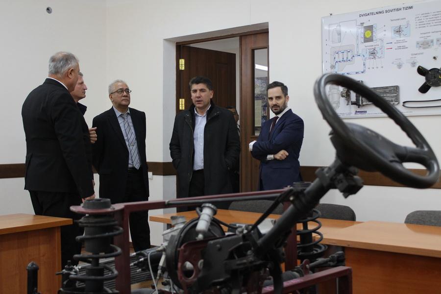 Руководители фондов Фридриха Эберта и Конрада Аденауэра посетили границу Узбекистана с Афганистаном