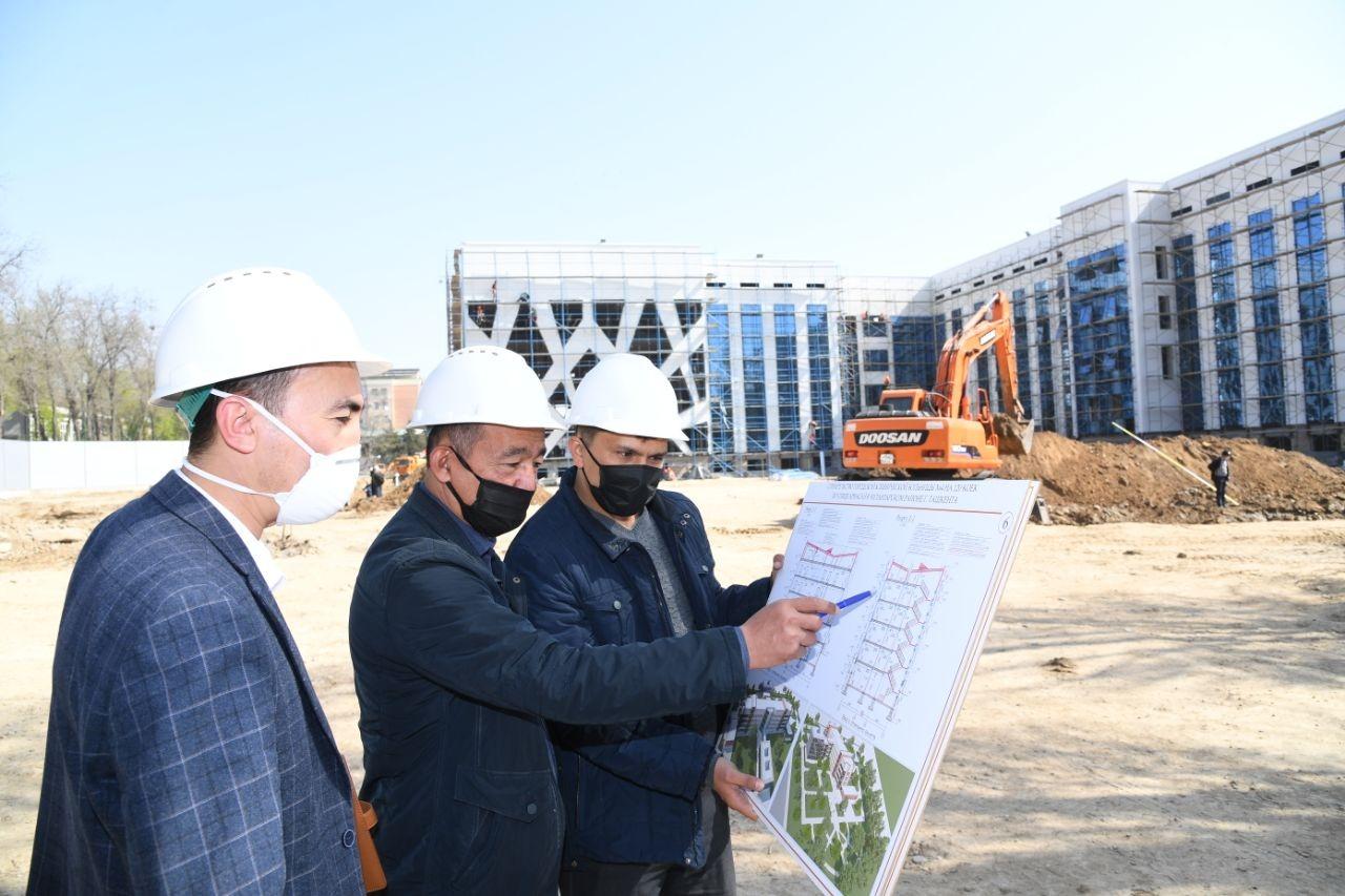 В Узбекистане строят около десяти больниц для карантина и лечения больных коронавирусом (фото)