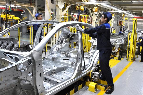 Депутат Законодательной палаты попросил у UzAuto Motors разъяснений по поводу повышения цен на автомобили