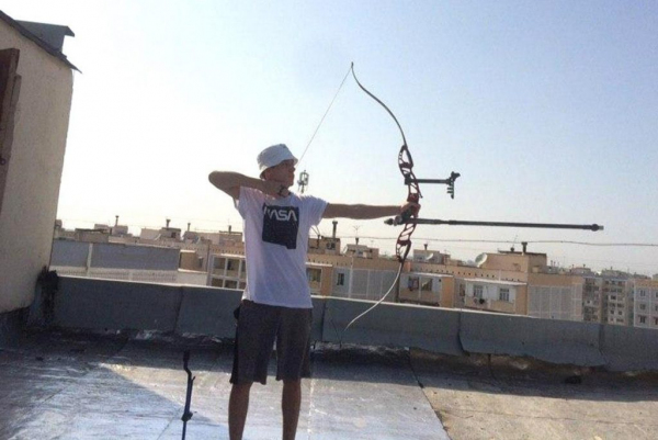 Фотолента: как лучники Узбекистана тренируются на дому в режиме карантина