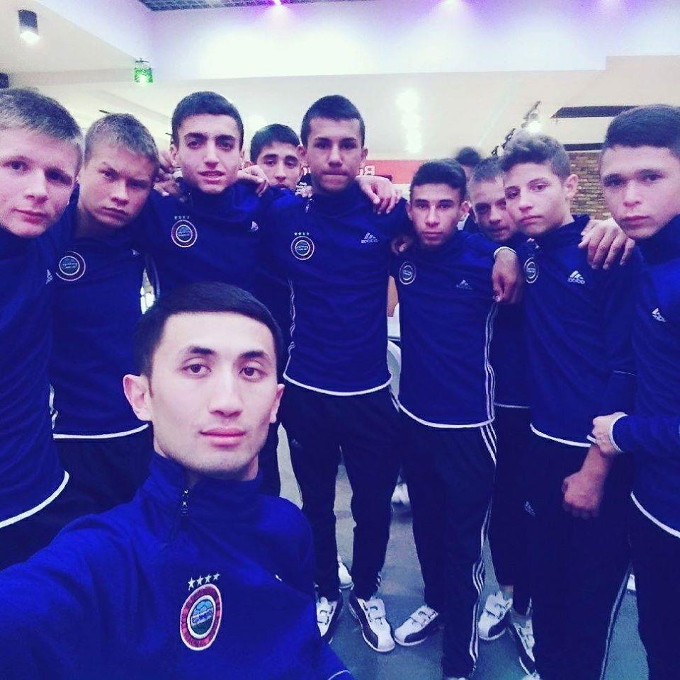 Скончался тренер Жамшид Асадов, чья команда из детей-сирот выиграла чемпионат мира