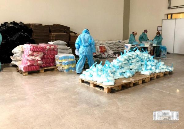 Первый день работы Центра координации спонсорской деятельности: помощь доставлена 1996 ташкентцам (фотолента)