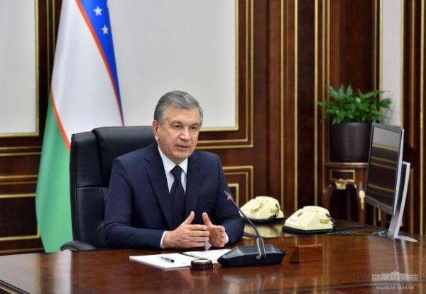 Шавкат Мирзиёев поручил отказаться от чтения лекций «с бумажки» и написания конспектов под диктовку в вузах