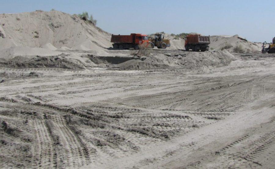 В Узбекистане начали уничтожать уникальную экосистему, государственный памятник природы Язъяванские пески