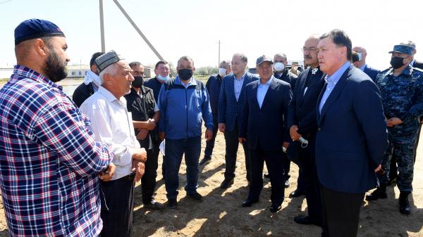 Абдулла Арипов вместе с премьер-министром Казахстана заложил фундамент жилого дома в Туркестанской области (фото)