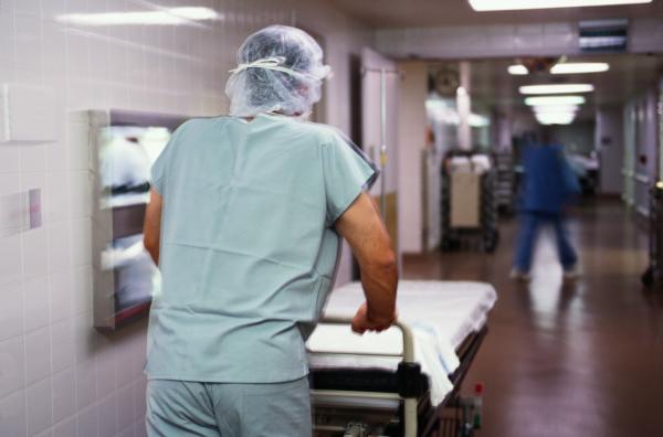 Минздрав сообщил о 15-й смерти от коронавируса: в Ташкенте скончалась 63-летняя пациентка