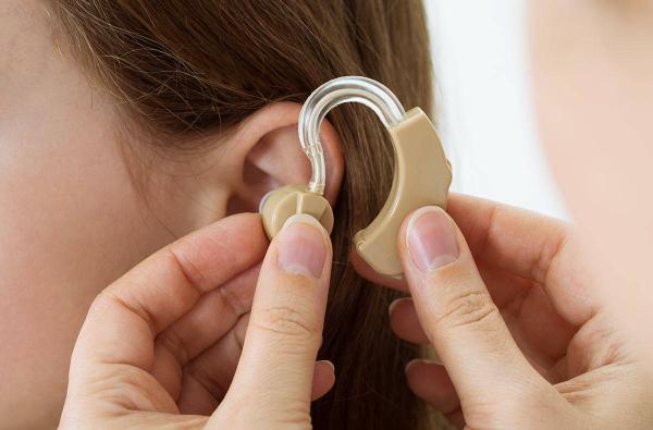 Фонд Zamin представил новую программу: ежегодно будет проводиться 30 бесплатных операций для детей с нарушением слуха