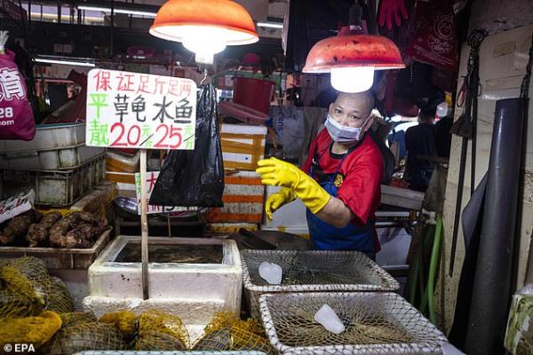 Теперь Китай утверждает, что уханький рынок не был источником коронавируса