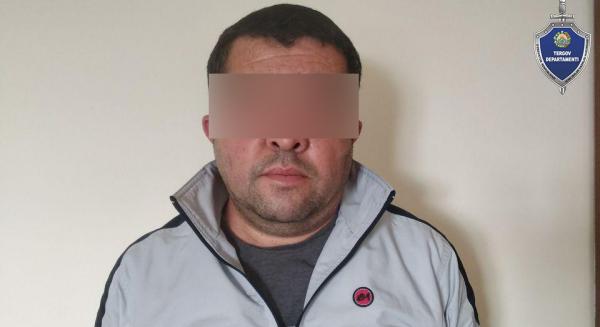 В Джизакской области задержан мужчина, сообщивший в Telegram, что сотрудник прокуратуры и его семья заражены коронавирусом