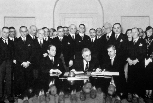 85 лет назад в Вашингтоне был принят уникальный во всех отношениях Пакт Рериха