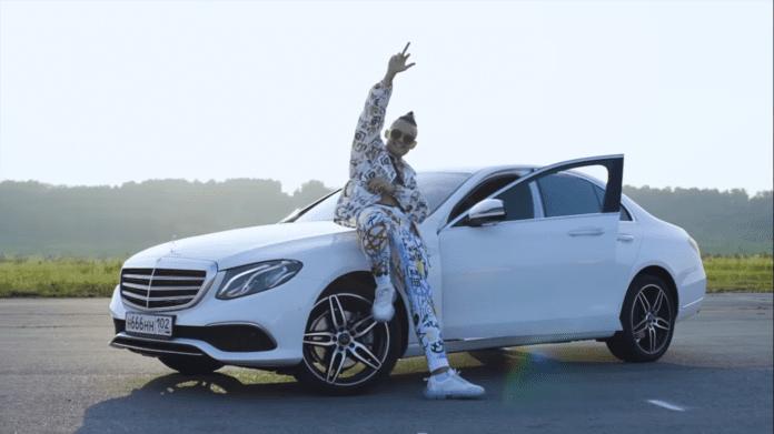 Парень из Бухары выиграл Mercedes-Benz у российского рэпера Моргенштерна